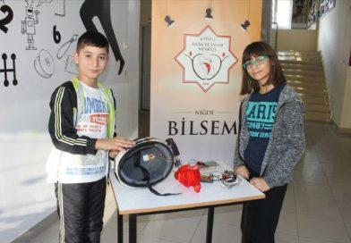 Ortaokul Öğrencilerinden Kask Takılmadan Motosikletin Çalışmasını Engelleyen Düzenek