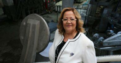 İş Kadını Avrupa'nın En Büyük Havlu Boyama Tesisini Yaptı!