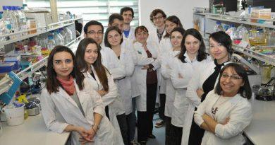 Türk Bilim Kadınından Çok Önemli Bir Buluş: Aşıların Ömrünü Uzattı